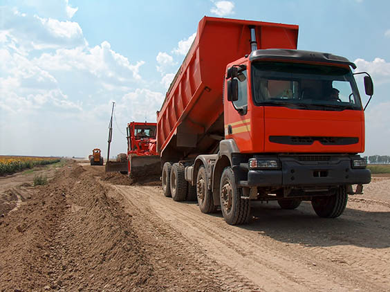 Transport mining tipper truck