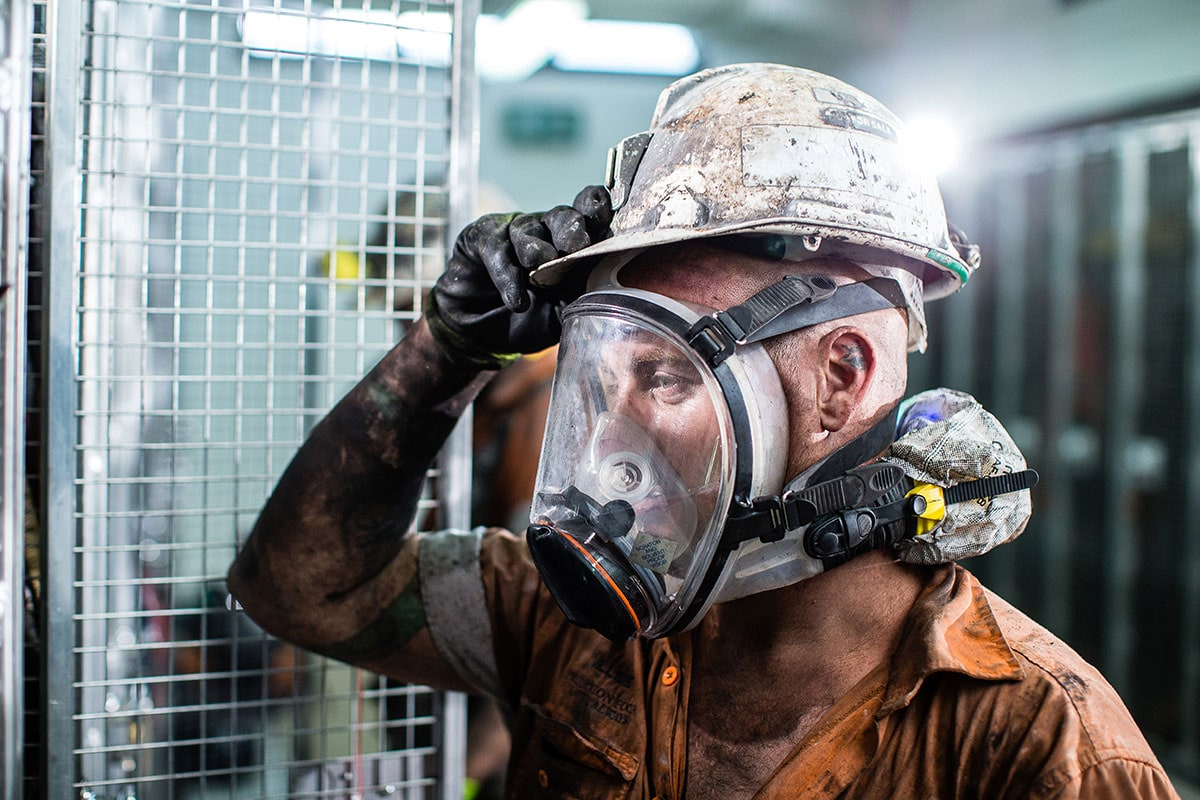 17-CleanSpace-EX-with-Full-Face-Mask-and-Coverall-Filter